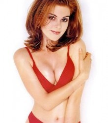 isla_fisher_red_bra1-220x300