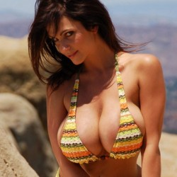 Denise Milani bikini model